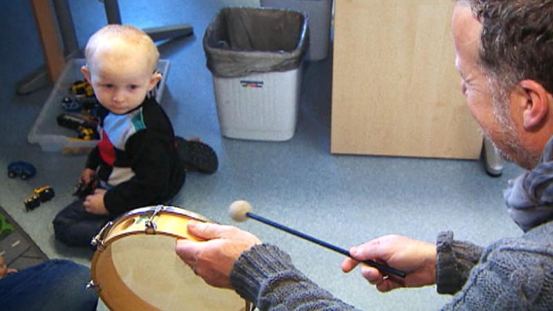 Das Jenke-Experiment: Einjähriger Alexander hört zum ersten Mal im Leben