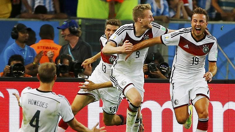 Mario Götze (re.) erzielte im WM-Finale gegen Argentinien das Tor des Abends.
