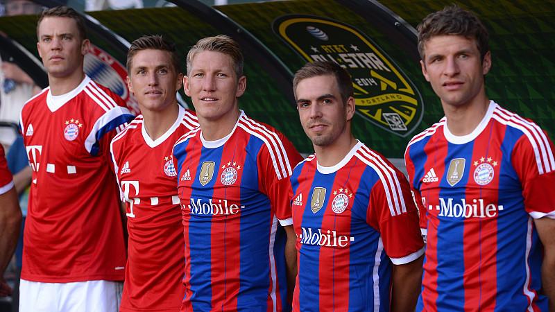 Die WM-Fahrer der Bayern um Manuel Neuer (ganz links) werden im Supercup nicht spielen.