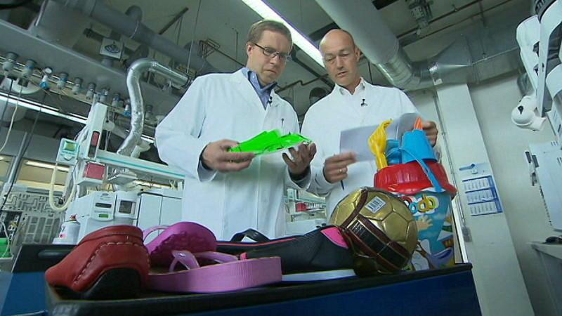 Der TÜV Rheinland hat gefälschte Markenartikel aus der Türkei im Labor untersucht.