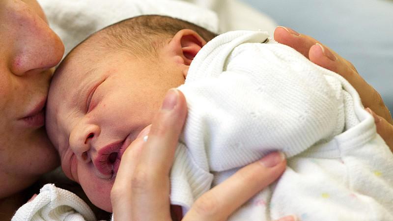 Darmflora von Kindern wird erst während oder nach der Geburt angesiedelt
