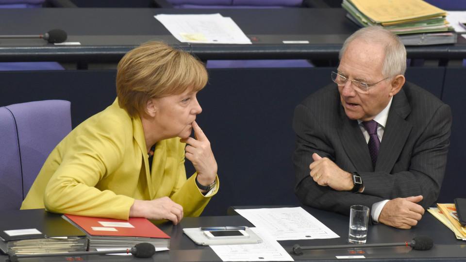Merkel und Finanzminster Schäuble im Bundestag: verrechnet?