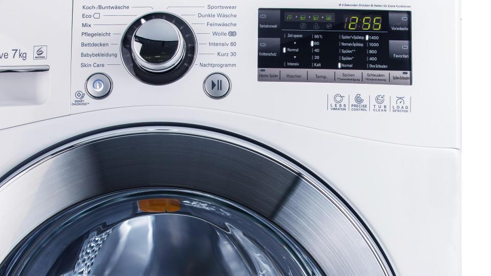 Stiftung Warentest hat 13 Waschmaschinen getestet. Alle waschen sauber, jedoch nicht keimfrei.