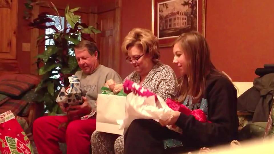 Gelungene Weihnachtsüberraschung: Das beste Geschenk aller Zeiten