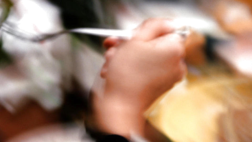 Von wegen Genuss - in einem chinesischen Restaurant beurteilt ein Schönheits-Scanner jeden Gast vor dem Essen.
