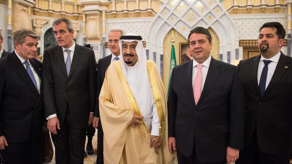 Sigmar Gabriel und Salman bin Abdelasis al-Saud in Riad