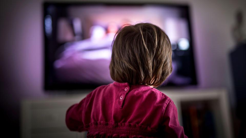 Wieviel  TV-Konsum ist noch okay? Diese Frage stellen sich quasi alle Eltern.