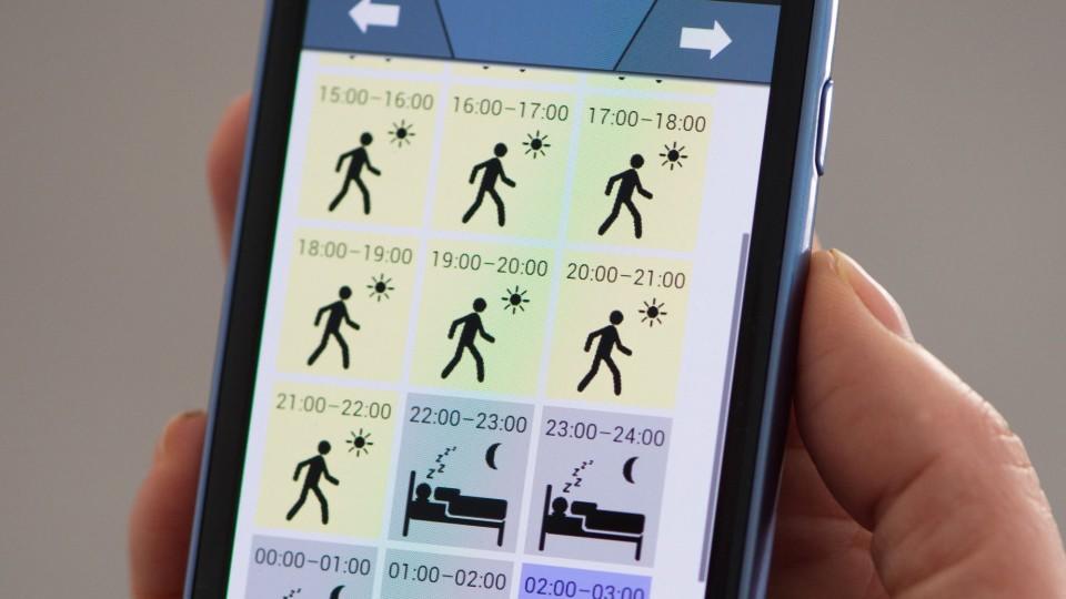 Die App dokumentiert die Aktivitäten und das Schlafverhalten der Patienten.