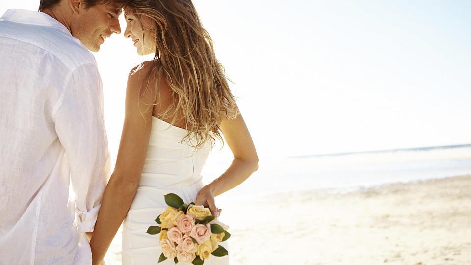 Eine Hochzeit am Strand.