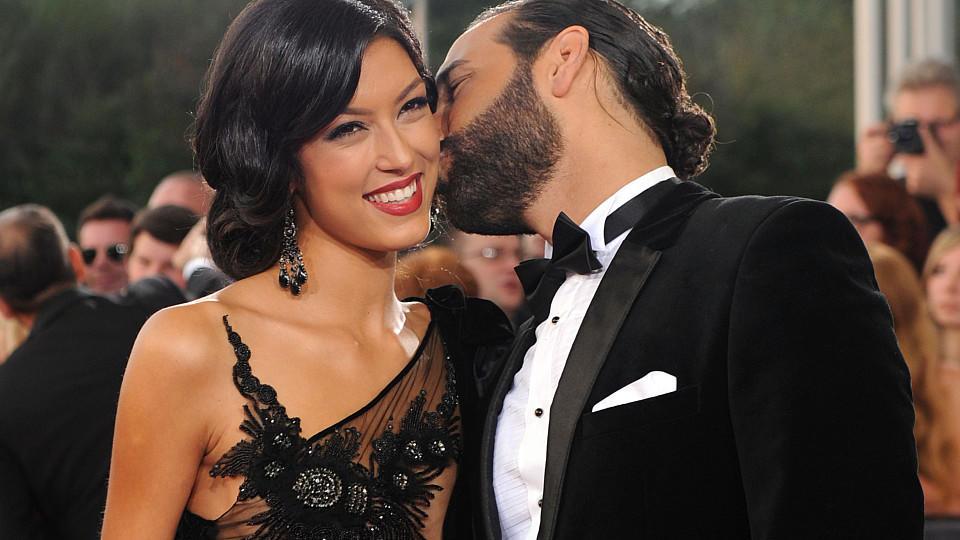 """Rebecca Mir und Massimo Sinató lernten sich 2012 bei """"Let's Dance"""" kennen. 2015 läuteten dann auf Sizilien die Hochzeitsglocken."""