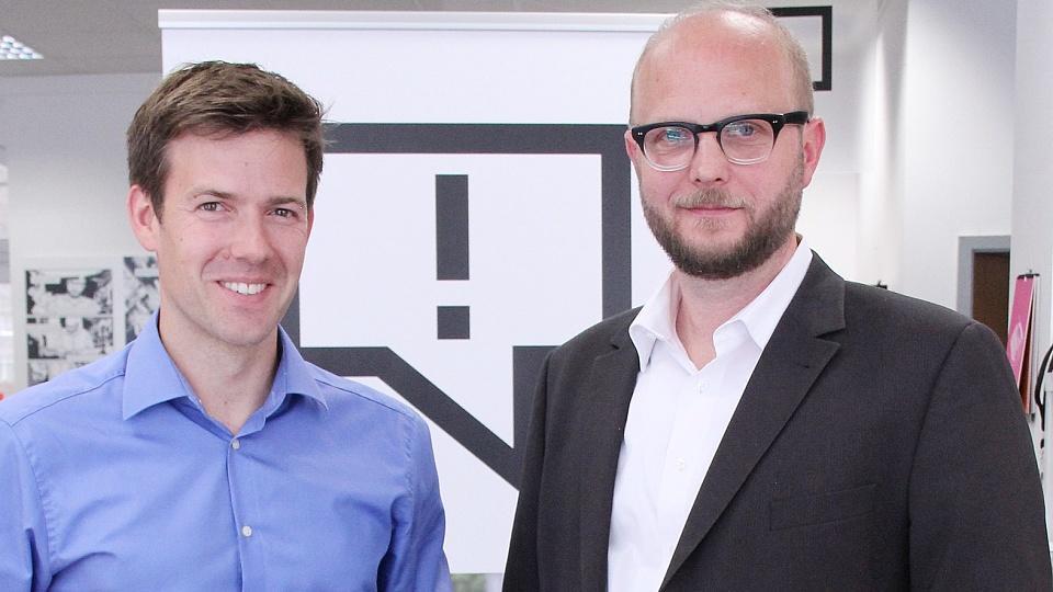 Nachtjournal-Moderator Maik Meuser (links) und der Leiter des Recherchebüro David Schraven freuen sich auf die Zusammenarbeit.
