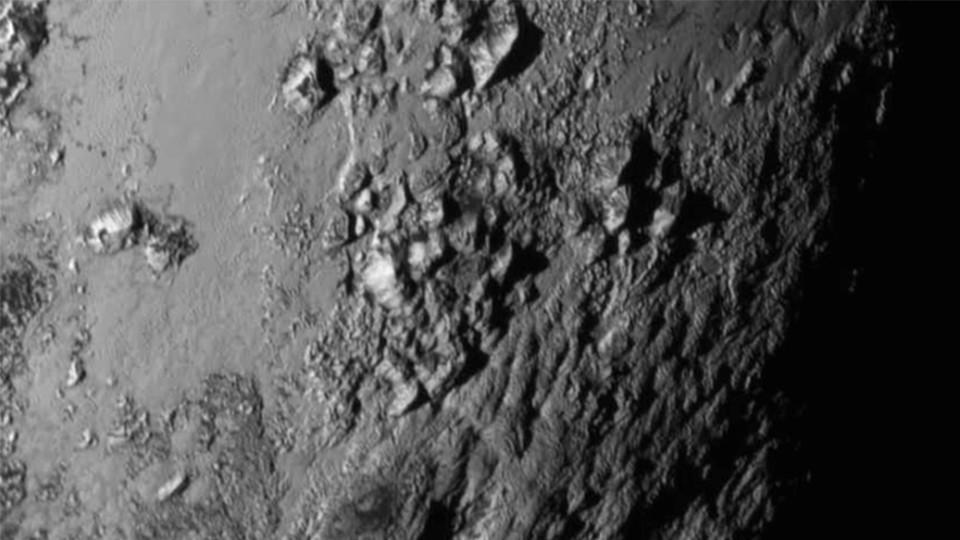 'New Horizons' mit großen Entdeckungen auf dem Pluto