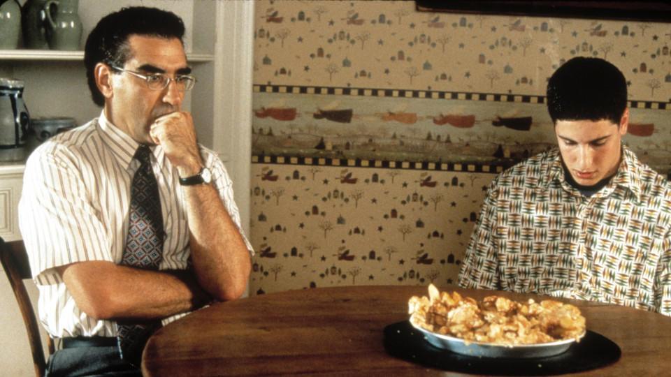 """""""American Pie""""-Stars am Tisch mit Apfelkuchen"""
