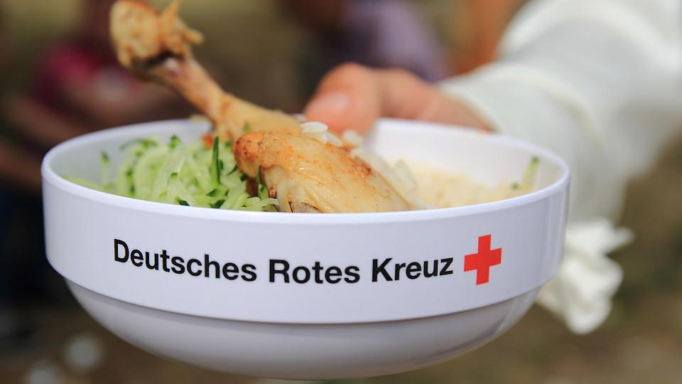 In einem Krankenhaus des Deutschen Roten Kreuzes könnte das Mensa-Essen Ursache einer Magen-Darm-Infektions-Serie sein.