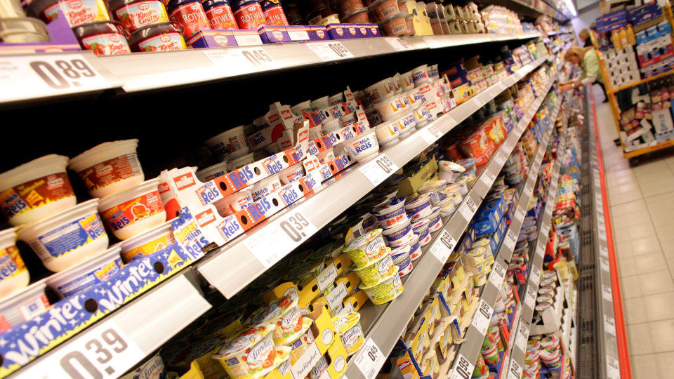 Milchprodukte im Supermarkt
