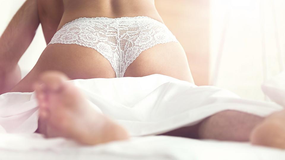 Wer das Sternzeichen seines Partners kennt, kann auch auf seine sexuellen Vorlieben eingehen, sagt Astrologin Lucy Porter.