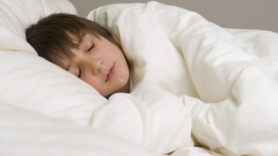 Wie viele Stunden sollte Ihr Kind pro Nacht schlafen?