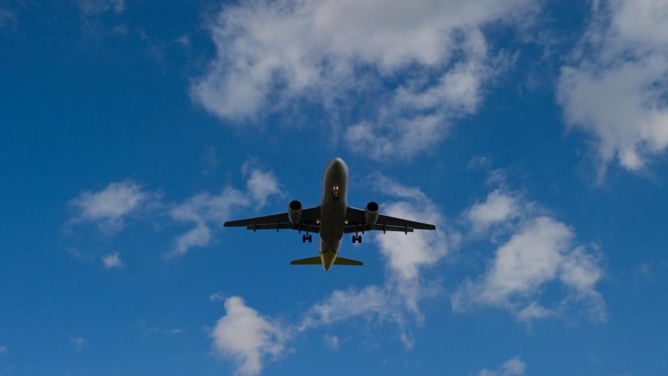 Ihr Flug wurde wegen Corona storniert? Dann muss die Airline Ihnen den Ticketpreis zurückzahlen.