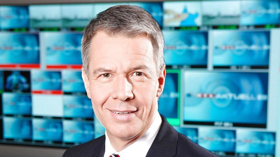 Peter Kloeppel präsentiert Ihnen die Nachrichten.