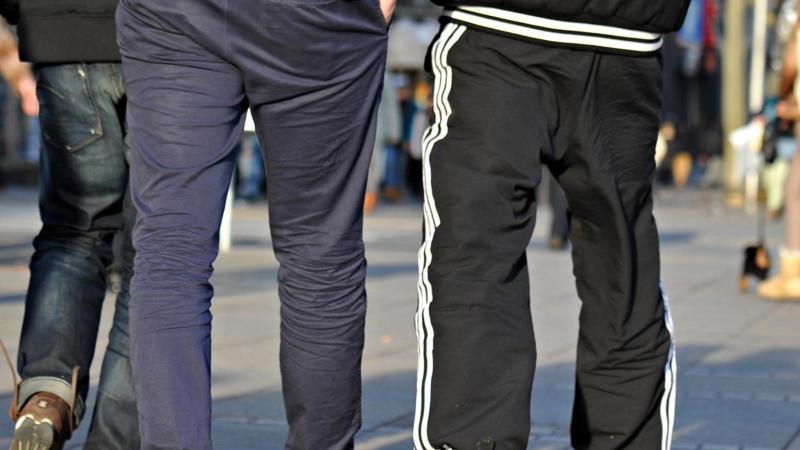 Jogginghosen werden längst nicht mehr zum Sport oder Rumlungern getragen! Ein Mülheimer Wirt will davon allerdings nichts wissen.