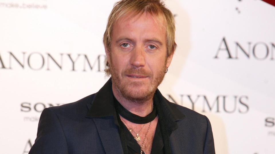 """Dem britischen Schauspieler Rhys Ifans gelang mit seiner Rolle des Spike in """"Notting Hill"""" der Durchbruch."""
