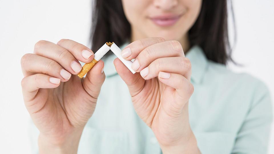 Weg mit der Zigarette. Wenn es doch bloß so einfach wäre, mit dem Rauchen aufzuhören...