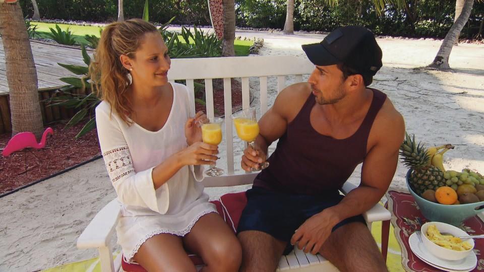 Der Bachelor 2016: Gemeinsames Frühstück für Leonie Rosella und Leonard nach ihrem Einzeldate
