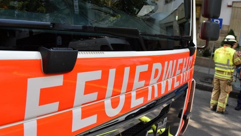 Großeinsatz für die Feuerwehr in Gernsheim nach Chemieunfall.   Symbolbild