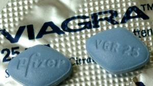 Viagra ist das bekannteste Potenzmittel: Doch die kleinen blauen Pillen können mehr!