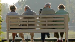 Ruhestand: Wer jetzt Anfang 20 ist, soll ihn erst ab 69 Jahren genießen können, fordern die Wirtshaftsweisen.