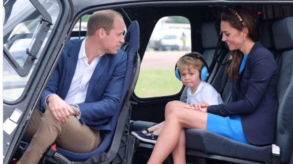 Prinz George und seine Familie besuchen eine Militärveranstaltung.