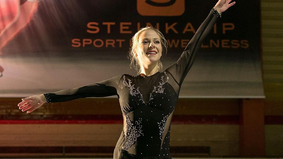 Cheyenne Pahde ist der neue Eislauf-Star bei AWZ. (c) RTL/ Kai Schulz
