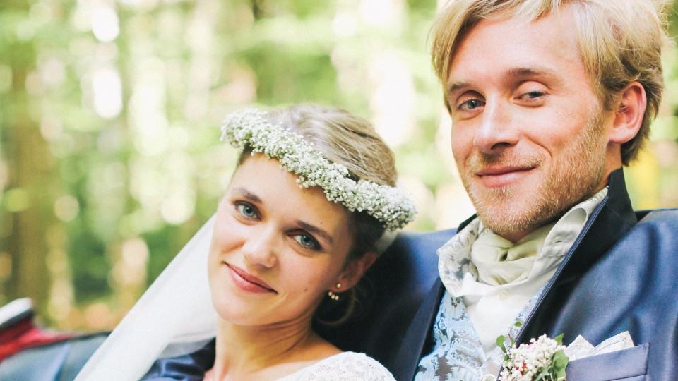 Samuel Koch + Sarah Elena Timpe / rights-managed notice inside