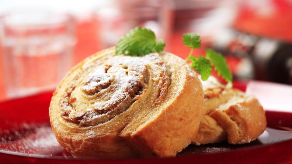Für einen ganz individuellen Geschmack gibt es diese Röllchen, die wahlweise mit einer Cranberry-Nuss Masse oder anderen Gewschmackssorten verziert werden können.