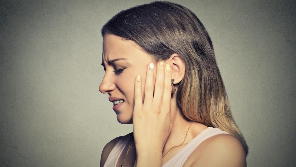 Ein Tinnitus verfolgt einen zu jeder Zeit. Aber auch, wenn oft etwas anderes behauptet wird, kann er behandelt werden