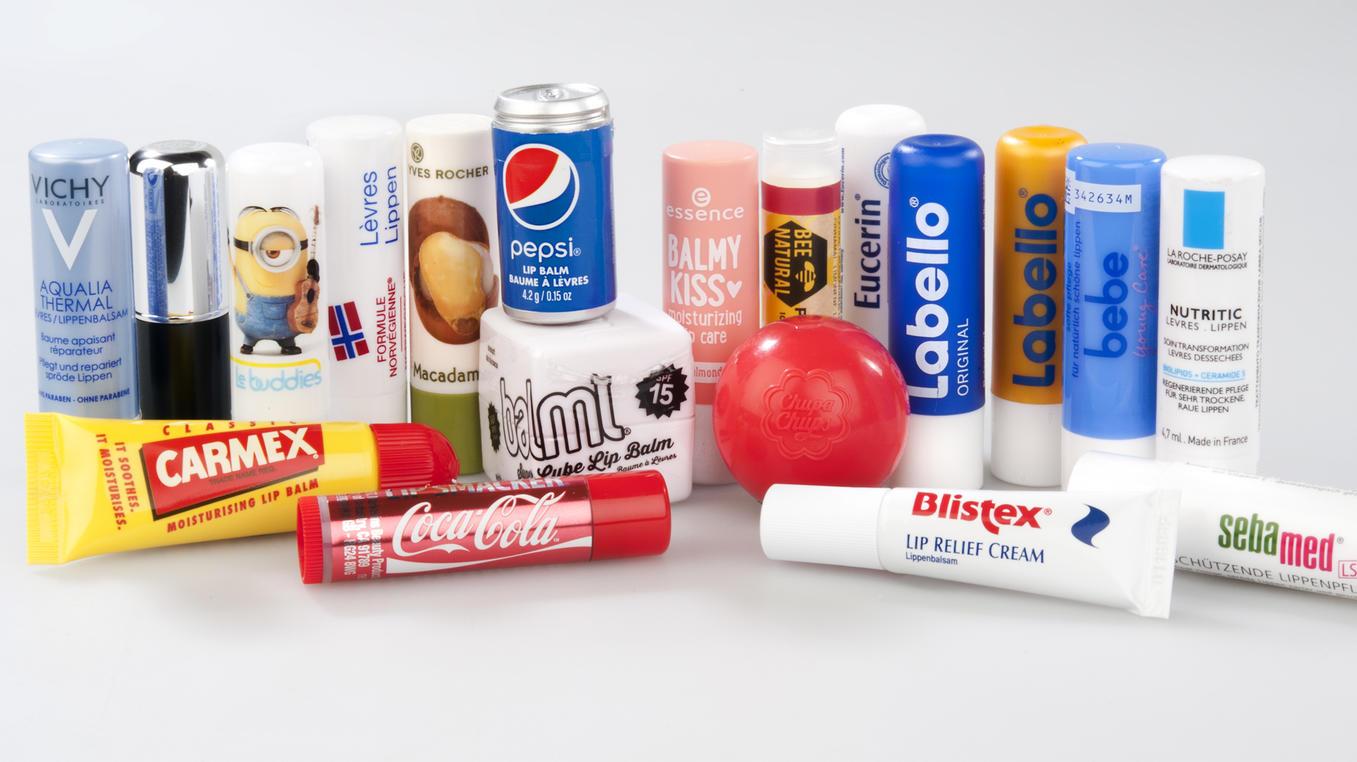 Die Auswahl an Lippenpflegestiften ist groß. Doch welcher ist die richtige Wahl?