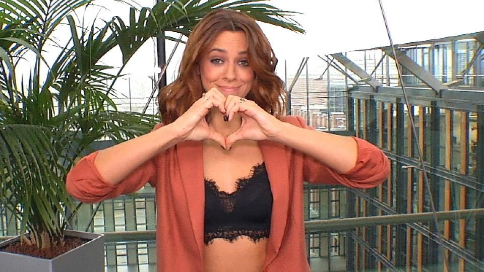 Vanessa Mai verschenkt ihr Herz an ihre Fans.