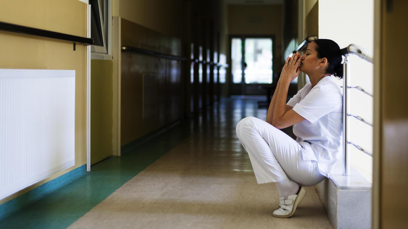 Die Personaldecke in den meisten Kliniken ist dünn. Sehr dünn. Viele Pflegerinnen sind überlastet und müssen zu viele Überstunden leisten.