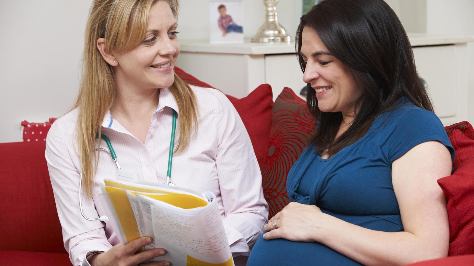Eine Hebamme ist nicht nur Geburtshelferin, sondern auch erste Ansprechpartnerin für die werdende Mutter