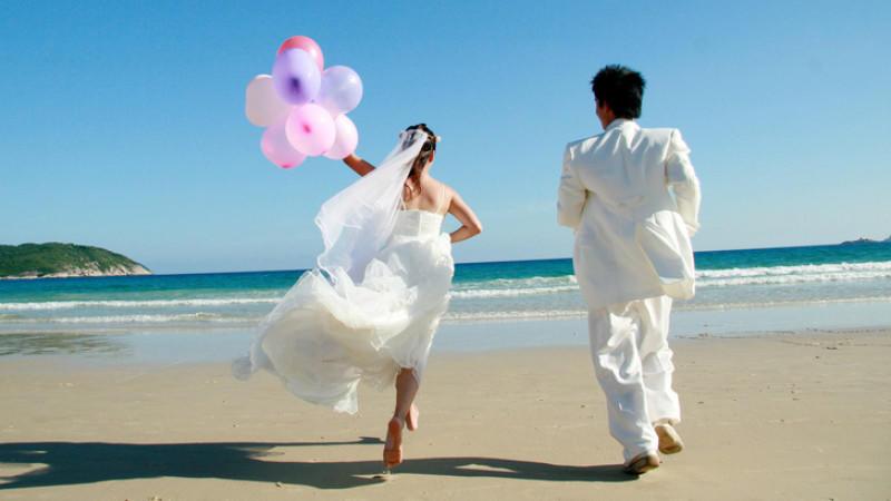 Welche Hochzeit passt zu Ihrem Sternzeichen? Das Hochzeitshoroskop verrät, welche Hochzeit zu Widder, Krebs und Co. passen.