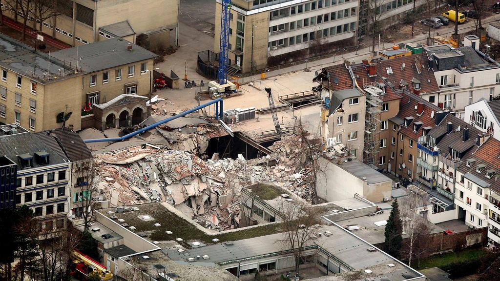 Trümmer nach Einsturz des Kölner Stadtarchivs