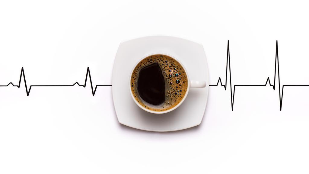 Kaffee soll für Herzrhythmusstörungen verantwortlich sein. Aber stimmt das wirklich?