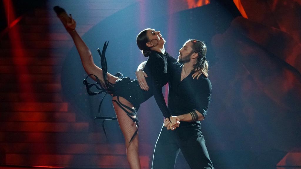 """Beim Tango im Finale von """"Let's Dance"""" wird es feurig bei Gil Ofarim und Ekaterina Leonova."""