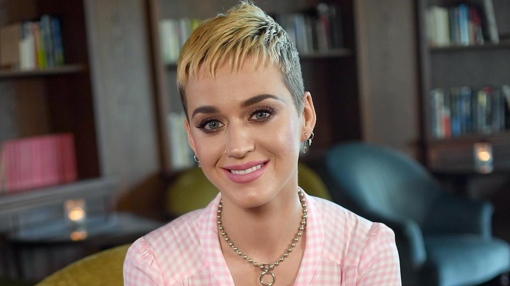 Katy Perry 2017 mit einem Pixie Cut.