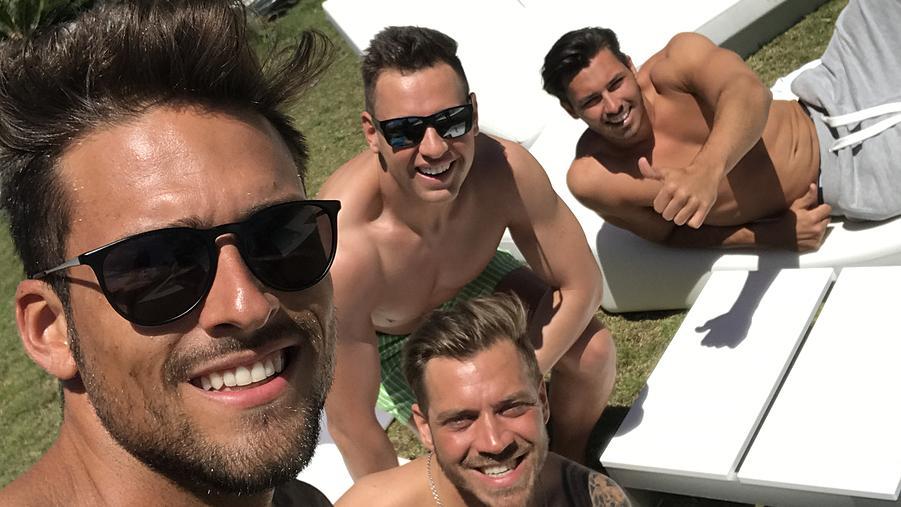 Selfie männer Die Familie