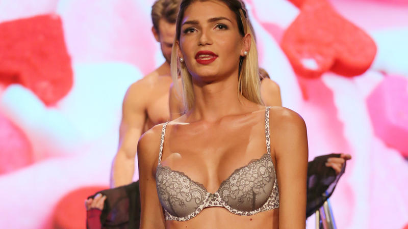 Giuliana Farfalla bei einer Modenschau