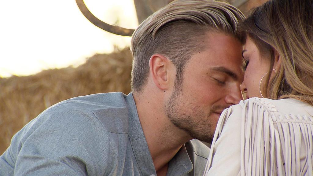 Keinen zweiten Kuss für Johannes:  Jessica lässt sich auf keine weitere Zärtlichkeit ein.