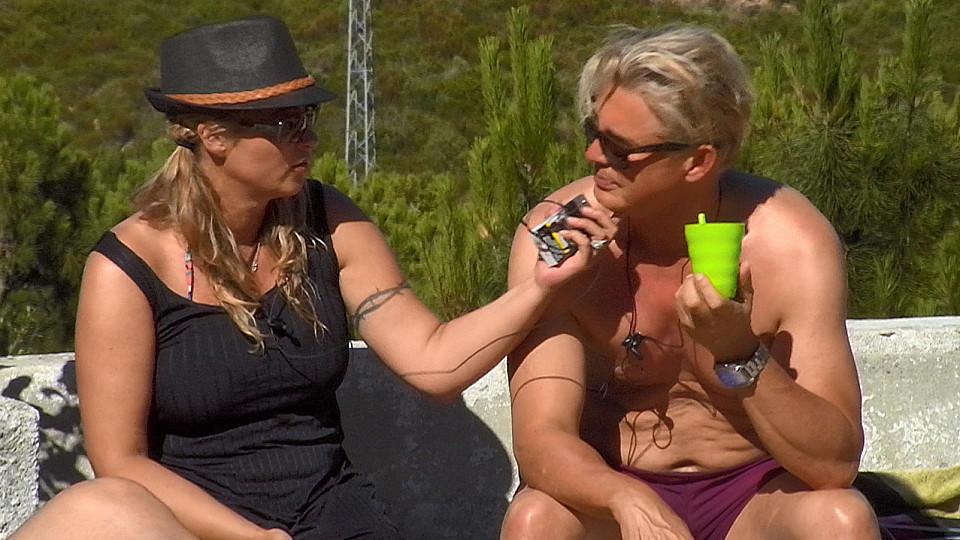 Yvonne König gefällt Giulia Siegels Pool-Show gar nicht. Kommt es deshalb zum Streit mit ihrem Lebensgefährten Markus Mörl?