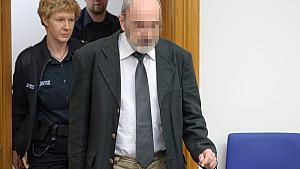 Das frühere Mitglied der Band 'Godewind', Christian B., muss sich in Lüneburg wegen sexuellen Missbrauch und versuchter Vergiftung in 403 Fällen verantworten.
