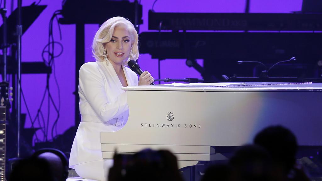 Die US-amerikanische Sängerin Lady Gaga tritt am 21.10.2017 in College Station (USA) bei einem Benefizkonzert für die Hurrikan-Opfer auf. Bei dem Konzert soll Geld für die Opfer der Hurrikane «Harvey», «Irma» und «Maria» gesammelt werden, die in den